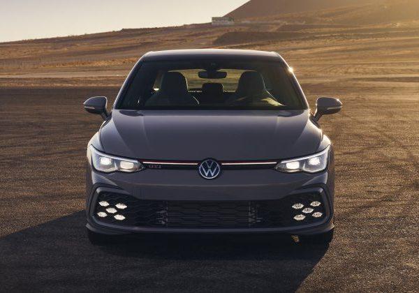การผลิตและความพร้อมจำหน่าย: 2022 Volkswagen GTI