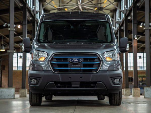 รถยนต์แห่งอนาคต: Ford E-Transit ปี 2022 เป็นรถตู้ไฟฟ้า