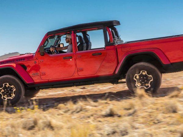 ตามหลัง Wrangler, Jeep Gladiator พร้อมจำหน่ายในราคาโรงงานครึ่งประตู