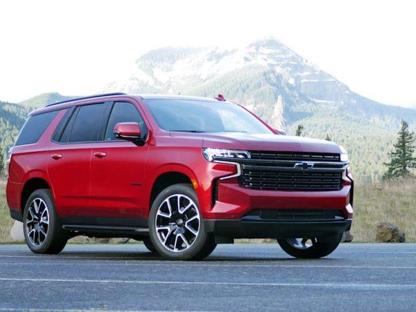 2022 Chevrolet Tahoe และ Suburbanอัพเดทรวมถึงการเข้าถึงที่กว้างขึ้นของ V8 . 6.2 ลิตร